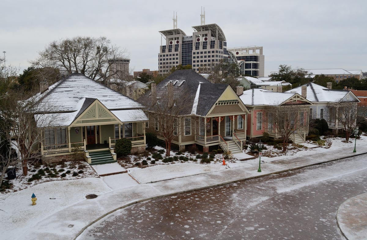 'Unique and historic' winter weather freezes Mobile