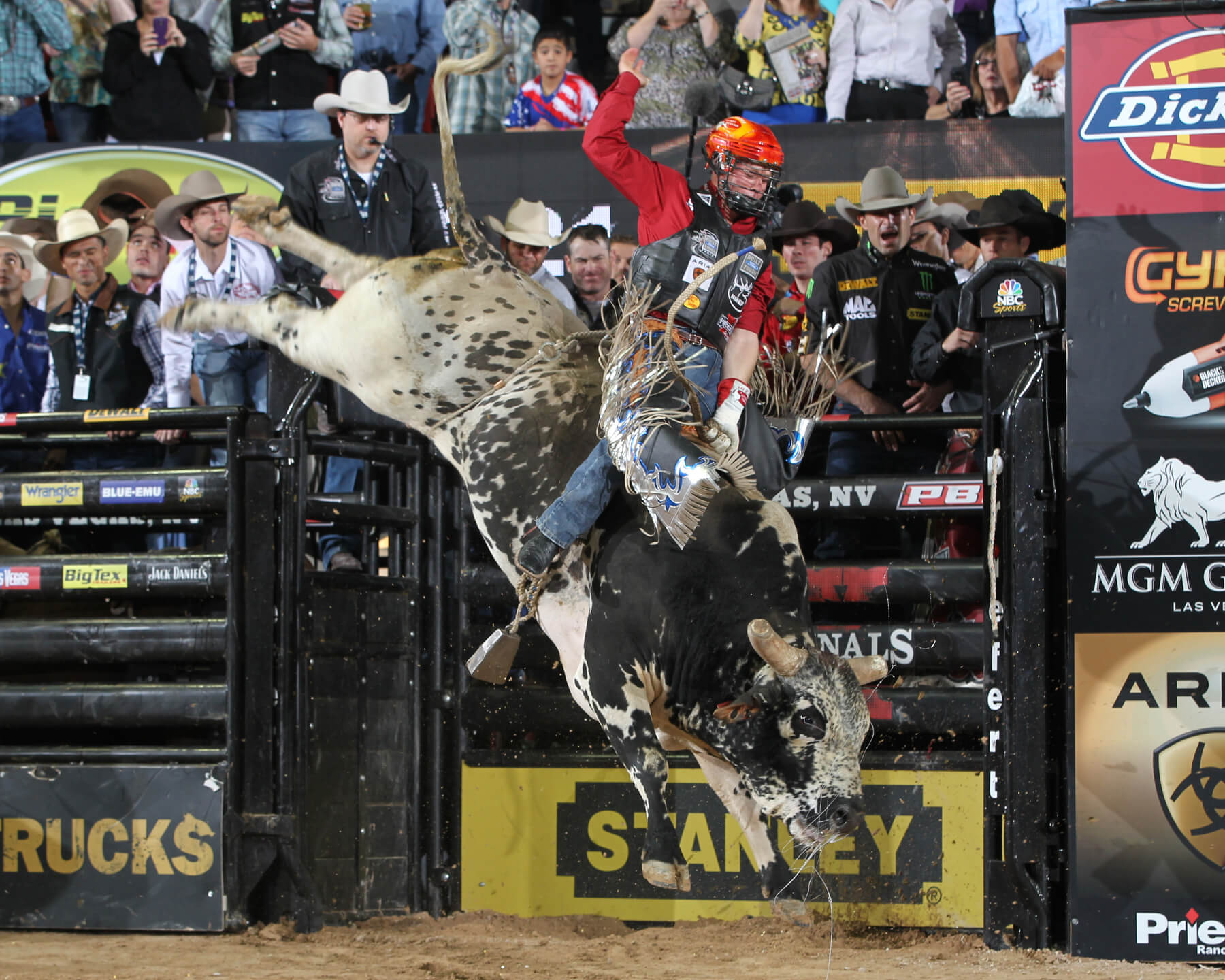Professional bull riders charge into Mobile Civic Center