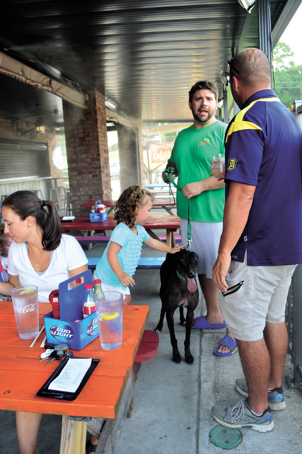 Canines may dine, a guide to Mobile's dog-friendly restaurants