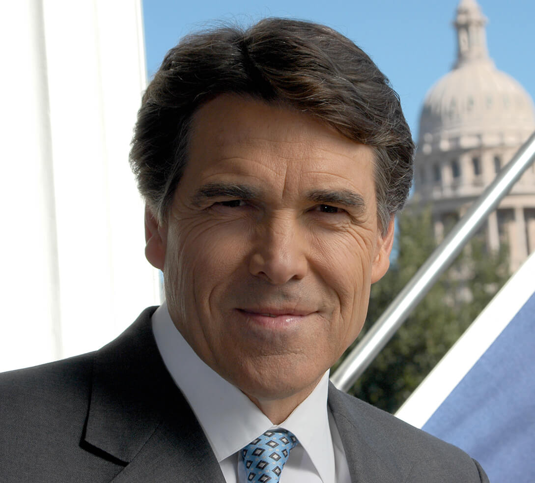 Perry looking presidential in immigration debate