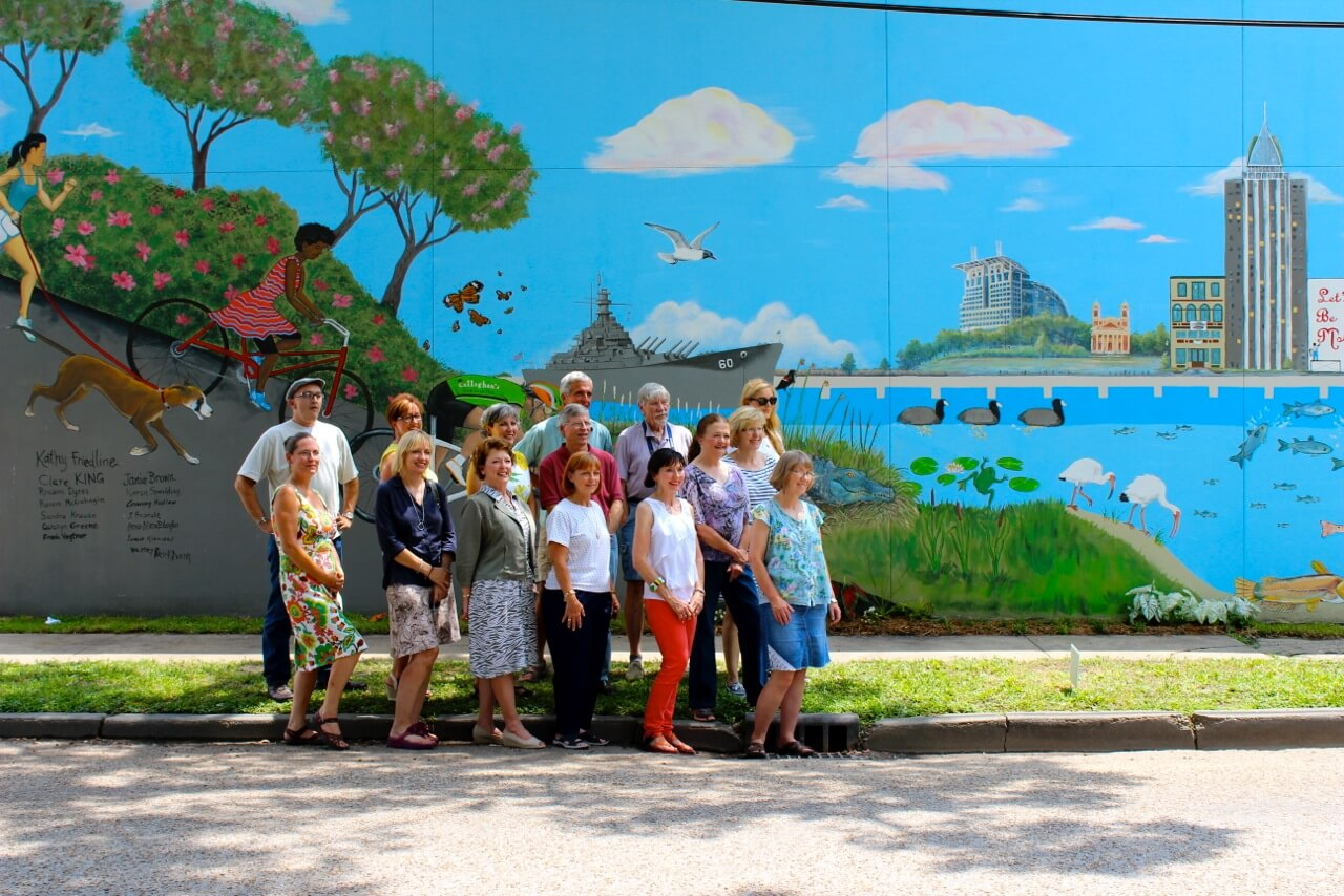 Artists unveil collaborative downtown mural