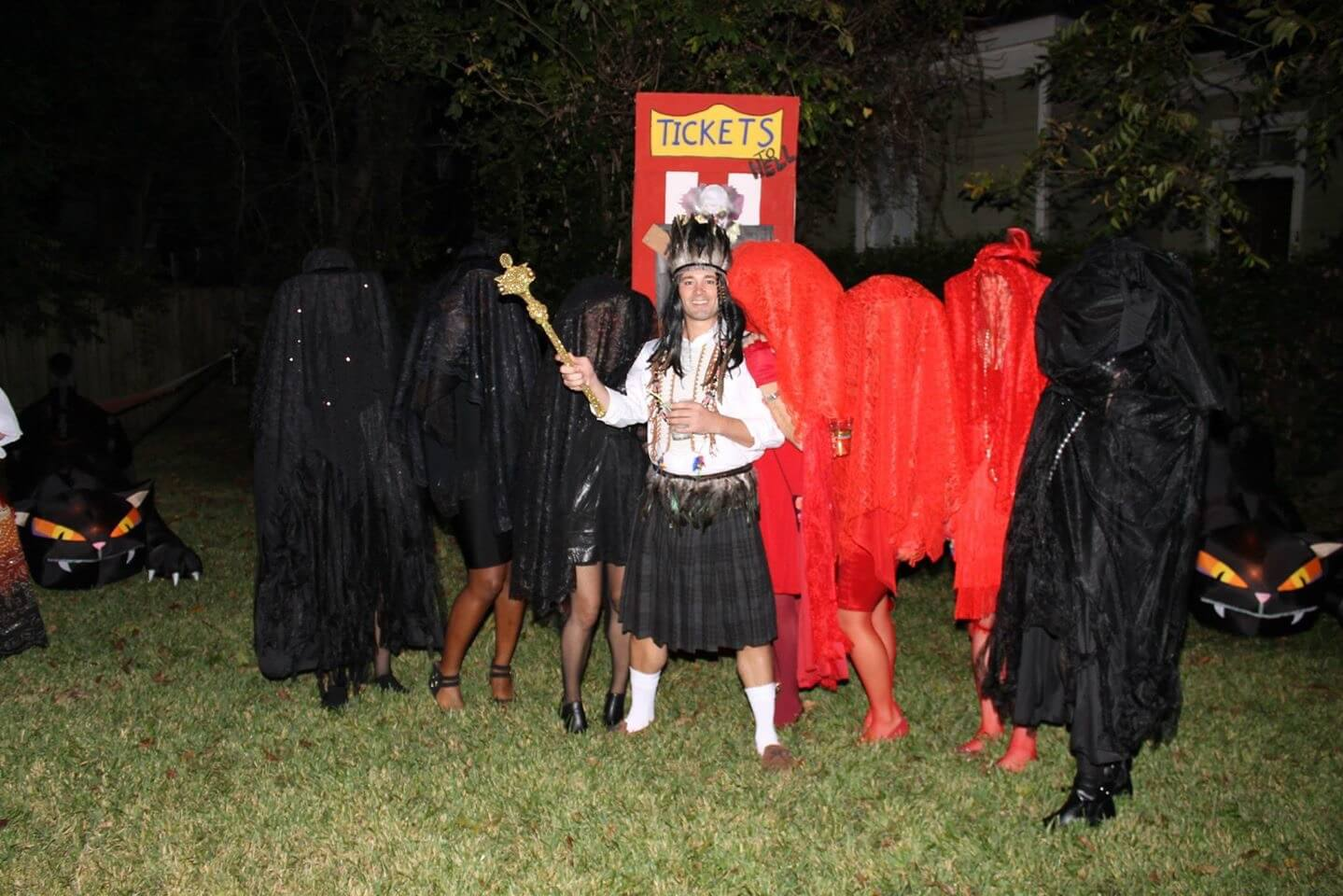 Freaky clowns, Buttercup and the Hot-Crazy Matrix Guy raise 'Cain' on Halloween