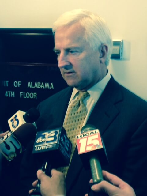 Hiawatha Robinson Jr.'s Attorney Jeff Deen speaks to reporters at a preliminary hearing in Mobile, Jan. 5. Robinson is accused of sodomizing and then killing his 8-year-old daughter, Hiawayi Robinson.