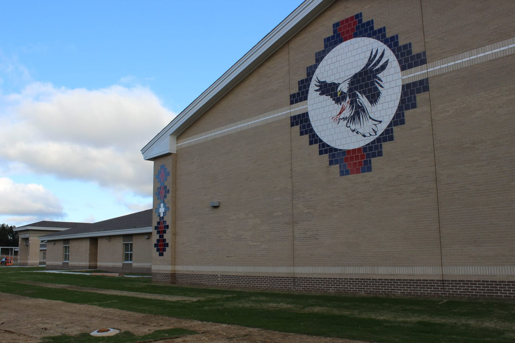 'One of a kind' Calcedeaver Elementary School opens