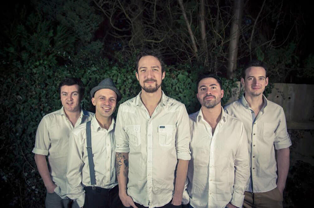 Wake up and Hangout with Frank Turner and band
