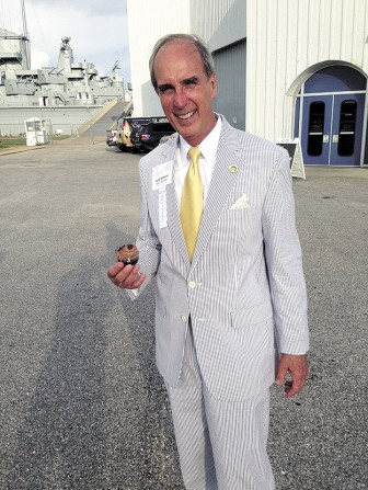 Mobile Mayor Sandy Stimpson looking especially 'Southern' at Pork and Politics last week.