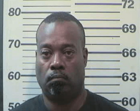 Constable arrested for gas station robbery