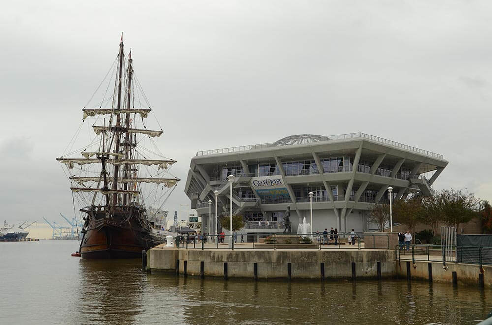 Tall ship leaves port post-Turkey Day