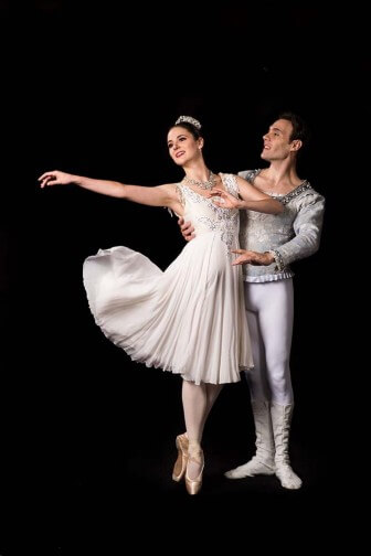 "(Photo/Courtesy Mobile Ballet) Lauren Woods and Paul  Peinado star in Mobile Ballet's 2015-16 season opener, Winthrop Corey's ""Snow White."""