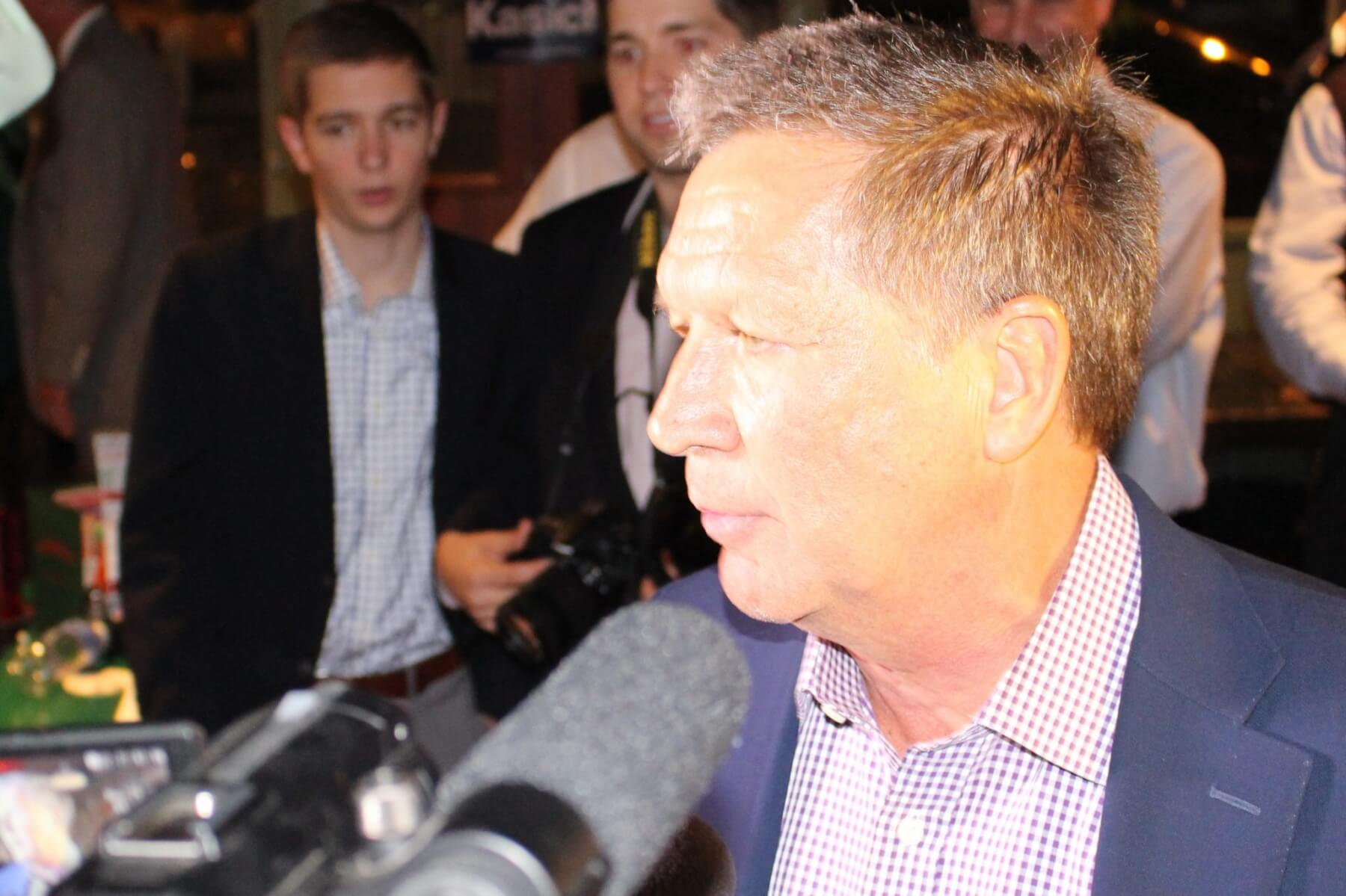 Kasich touts political record in Mobile stump