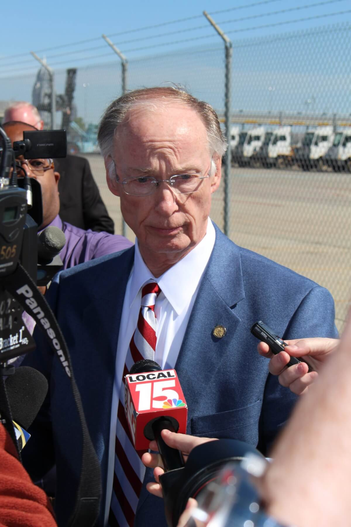 Ignoring impeachment, Bentley talks 'jobs' in Mobile
