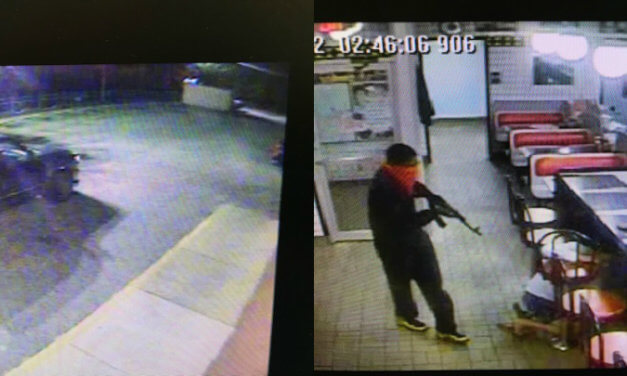 Police searching for gunman in Daphne Waffle House robbery