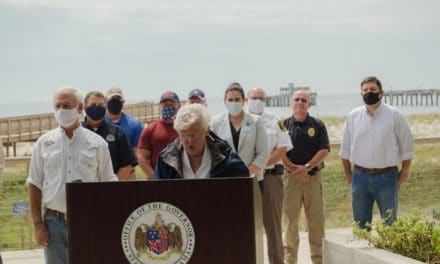 Governor tours hurricane damage, pledges state and federal support
